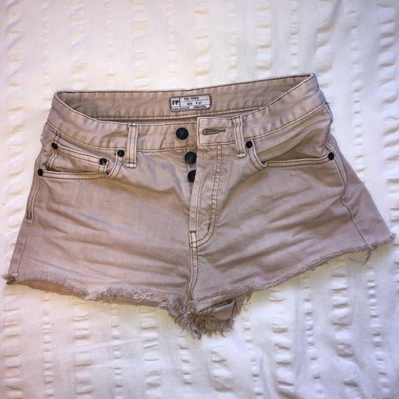 Free People Pants - Free People tan shorts✨